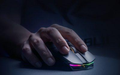 被評為最強的滑鼠出現了–ROG CHAKRAM