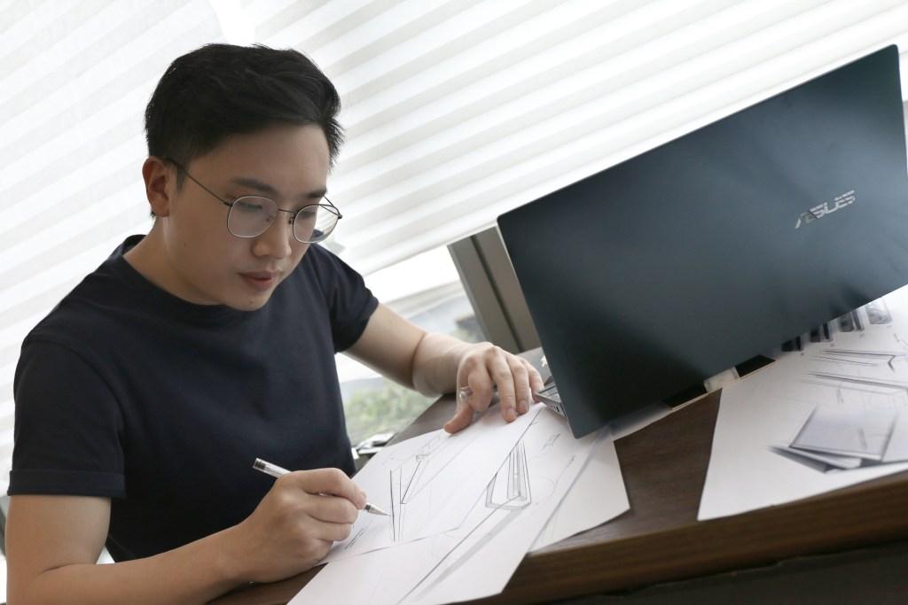 Ding Chuen sketching
